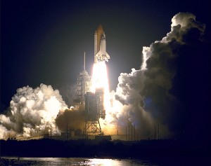 space-shuttle-endeavour-launch-604179_1280